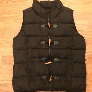 Black Ruff Hewn Puffer Vest - EUC